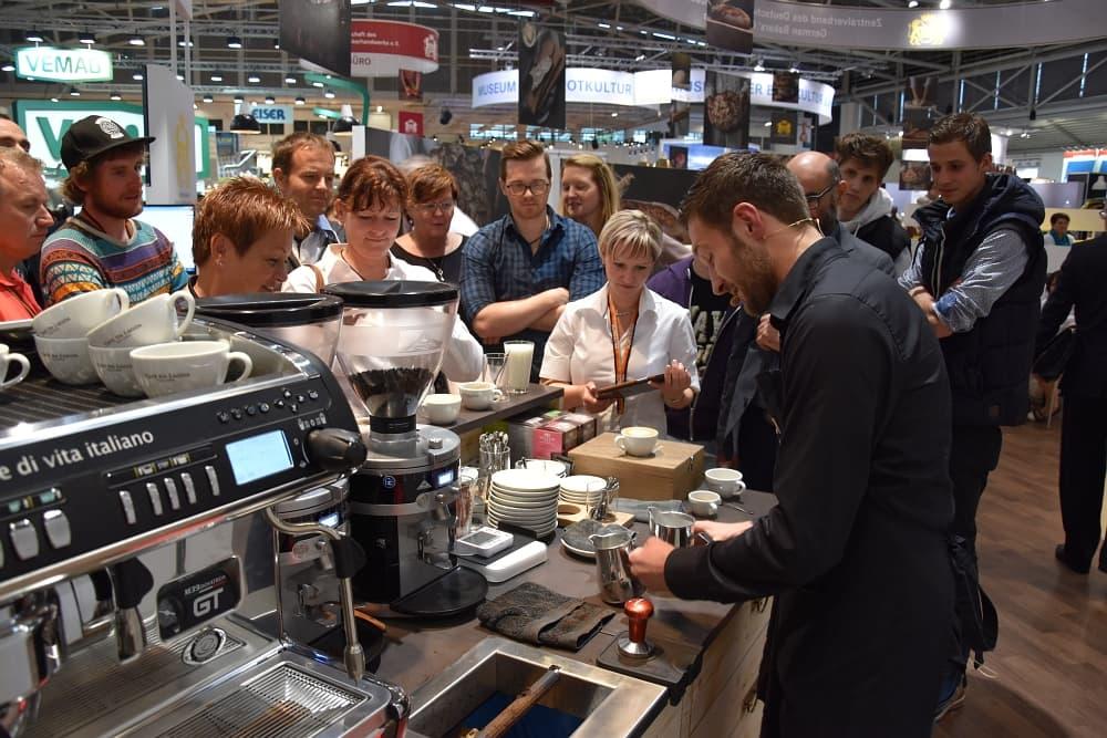 Latte Art Show auf der IBA 2015